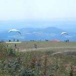 B-RC03-Ausflug_2013-133-1S-Wasserkuppe-Gleitschirmflieger-Nah-WEB